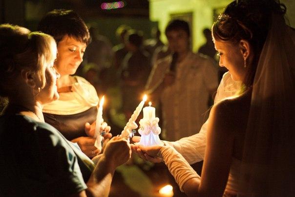 Церемония зажжения семейного очага на свадьбе