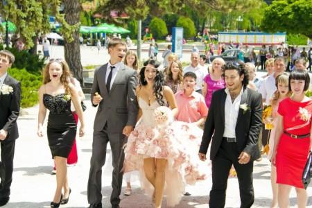 свадьба идет