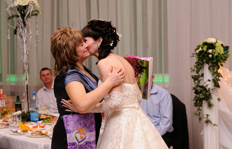 Слова благодарности маме жениха от невесты на свадьбе