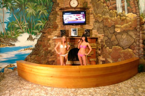 девочки в бане