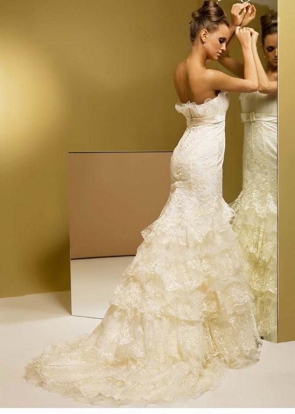 Редкая невеста в детстве не рисовала в своем воображении картинки, на которых изображала себя сказочной принцессой в великолепном пышном платье