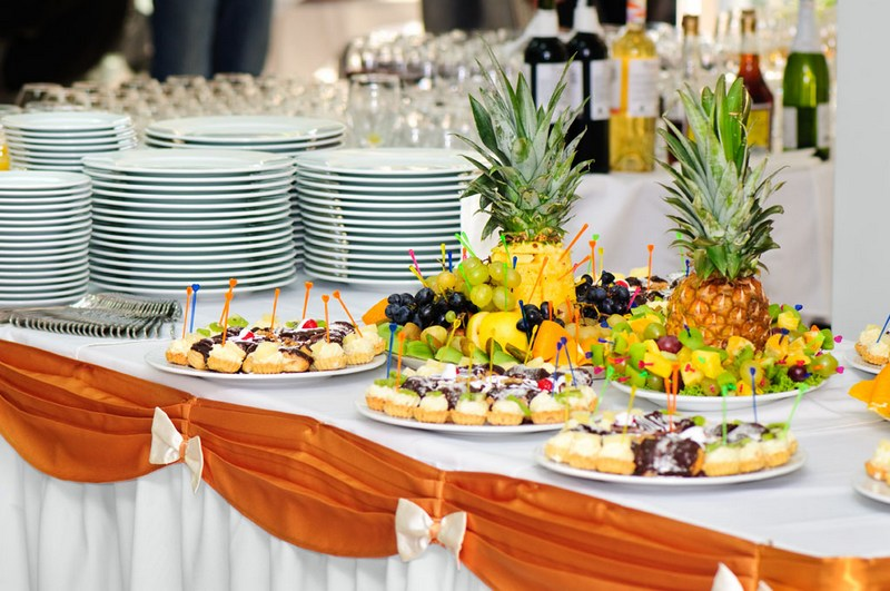Украшение стола невесты на выкуп