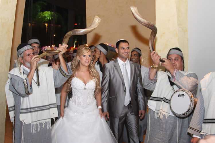 Five Spanish Wedding Traditions You Didnt Know