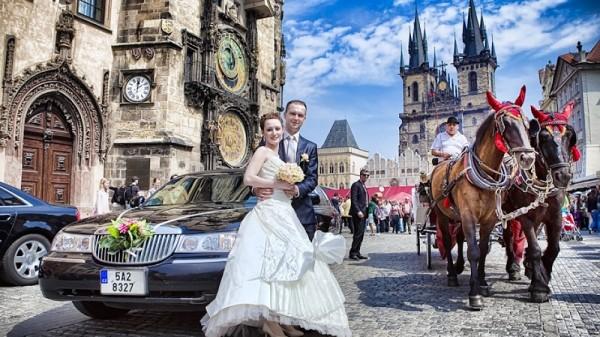 молодожены в Праге