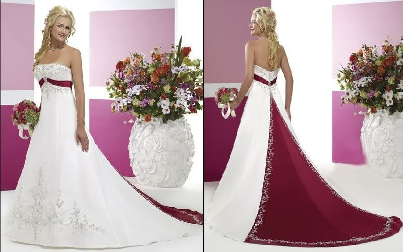 Выбирая для этой ответственной церемонии свадебное платье, невесте стоит не только выбрать самое красивое одеяние, но при этом соблюсти каноны церкви