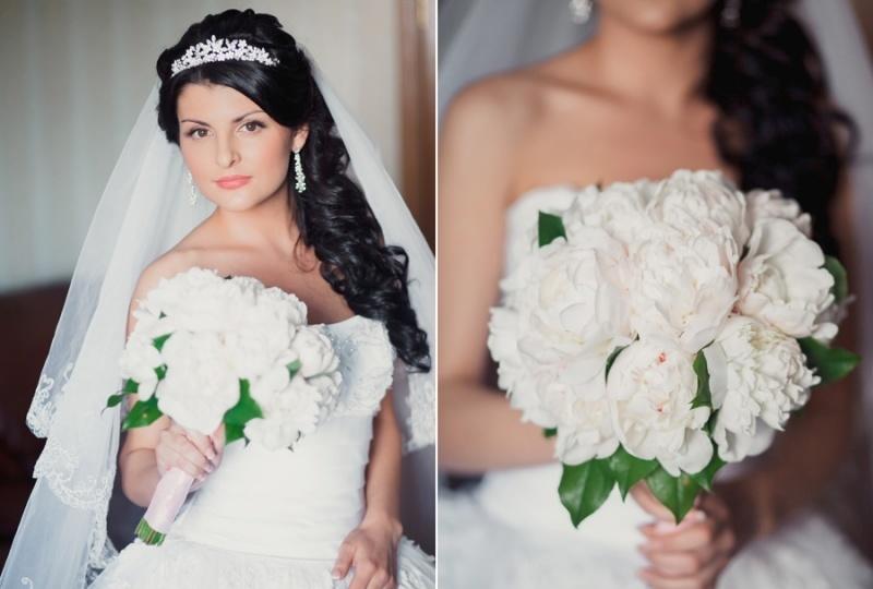 Свадебные причёски с диадемой и фатой на длинные волосы
