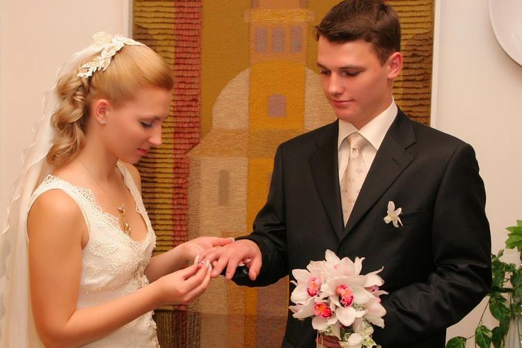 Кто может одевать невесту в день свадьбы
