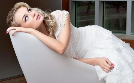 Полина Гагарина вышла замуж за Дмиртия Исхакова