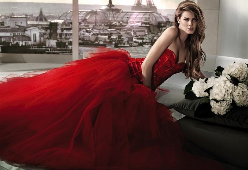 Классический свадебный красном платье