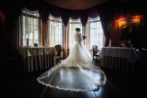 невеста на банкете