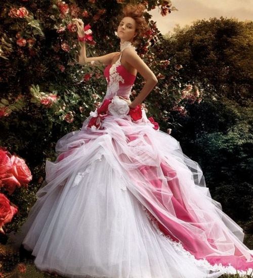 невеста в бело красном платье