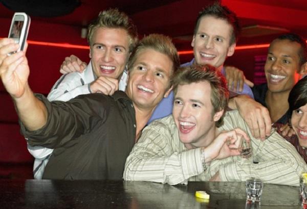 мальчики в баре