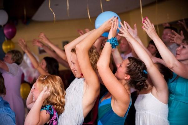 Свадебные конкурсы с мячем