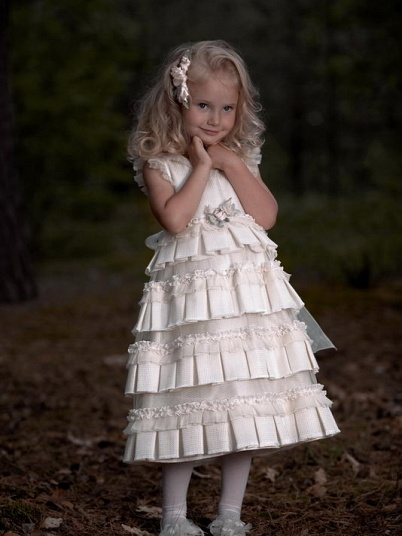 девочка на свадьбе