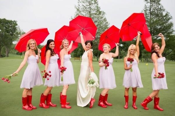 девушки с зонтиками