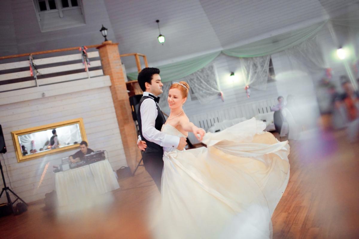 Фото вальса на свадьбу
