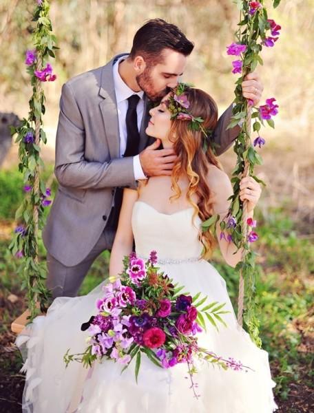 жених и невеста в саду