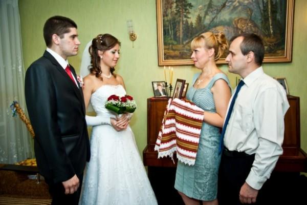 Какой иконой благословляют молодоженов на свадьбе