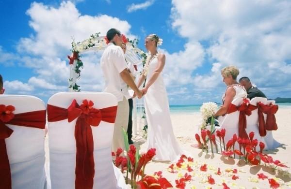 Бело-красная свадьба