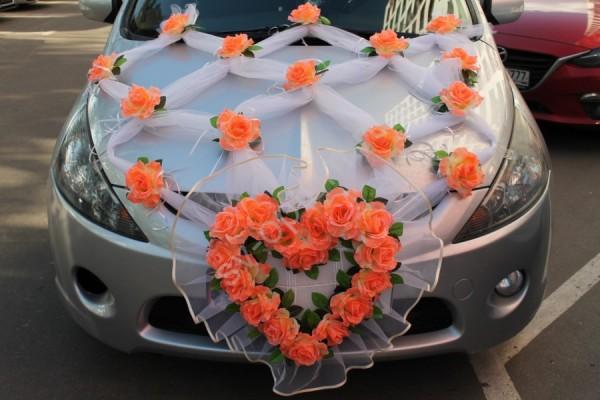 свадебный капот автомобиля