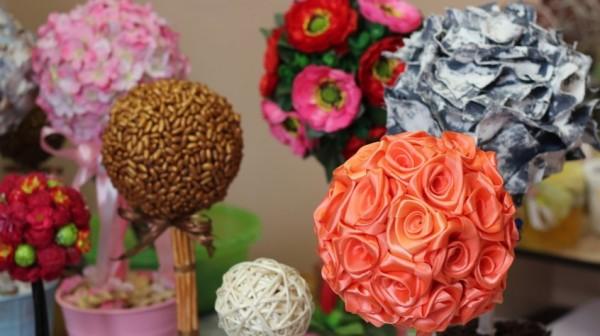декоративные цветы из лент